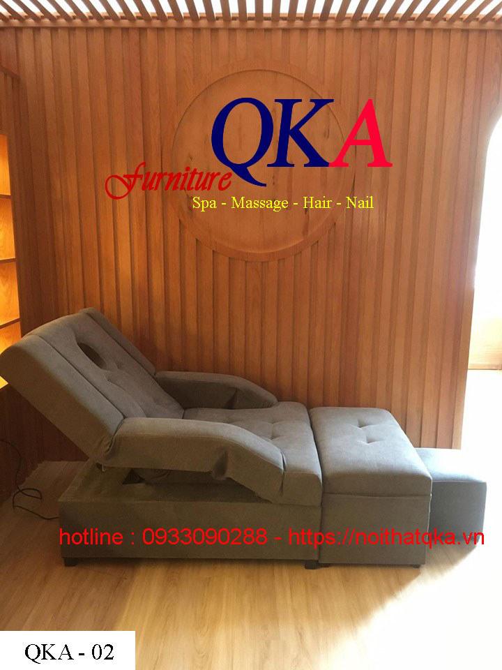 ghe-massage-chan-qka-02-giao-khach-Quy-Nhon